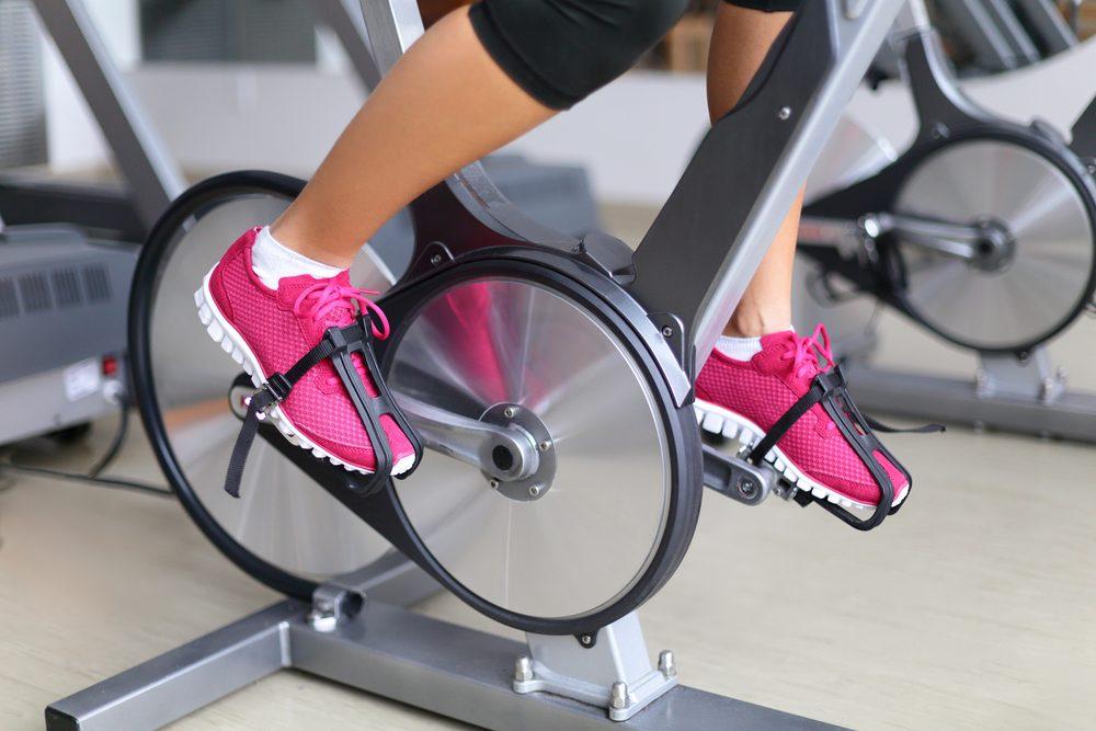 ajuste pedales bici spinning