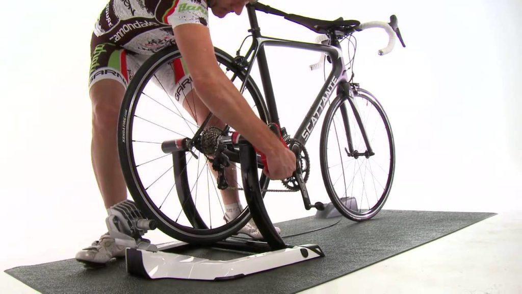 montaje del rodillo elite en bicicleta
